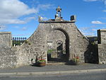 Gateway to Old Parish Church, Longside 01.JPG