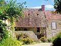 Genainville (95), ancien prieuré, place de l'Église 2.jpg