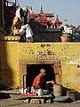 Ghat Scene - Varanasi - Uttar Pradesh - India - 02 (12480996434).jpg