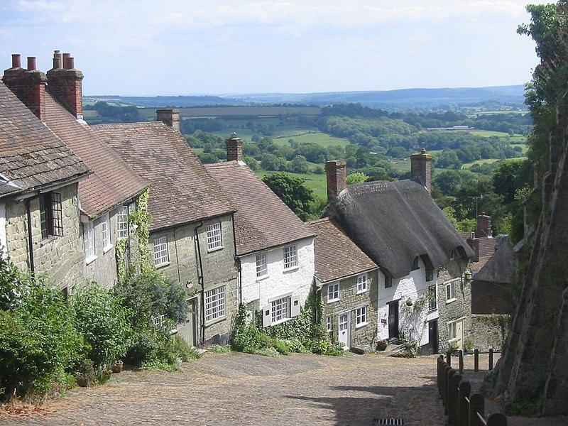 File:Gold Hill, Shaftsbury, Dorset, England.JPG