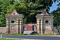 Grafenegg - Schwarzes Tor mit KöR-ID 697 - Tür und Tor von Manfred Pernice 2010.jpg