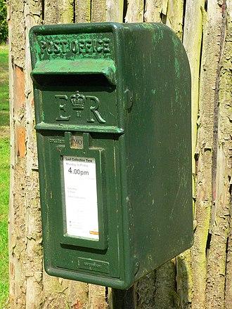 Lamp box - Image: Green lamp box in Clumber Park