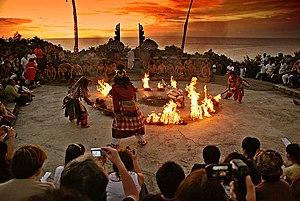 Kecak - Image: Hanoman Kecak Dance Uluwatu sunset