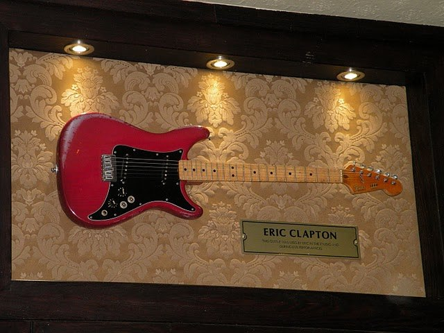 Hard Rock Cafe London Clapton%27s guitar Fender