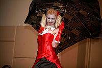 Harley Quinn cosplayer (12163537075).jpg