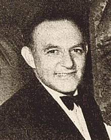 Harry Cohn Oscar 1938 cropped (cropped).jpg