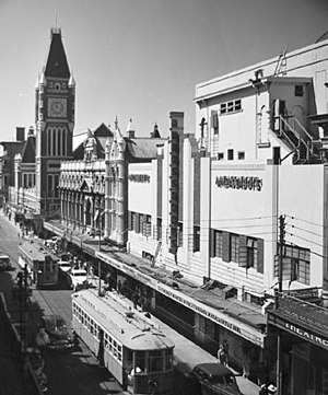 Hay Street, Perth - Trams running in Hay Street, Perth, in 1949. The Perth Town Hall is on the left.