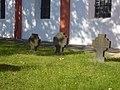 Heimersheim, St. Mauritius Grabkreuze.jpg