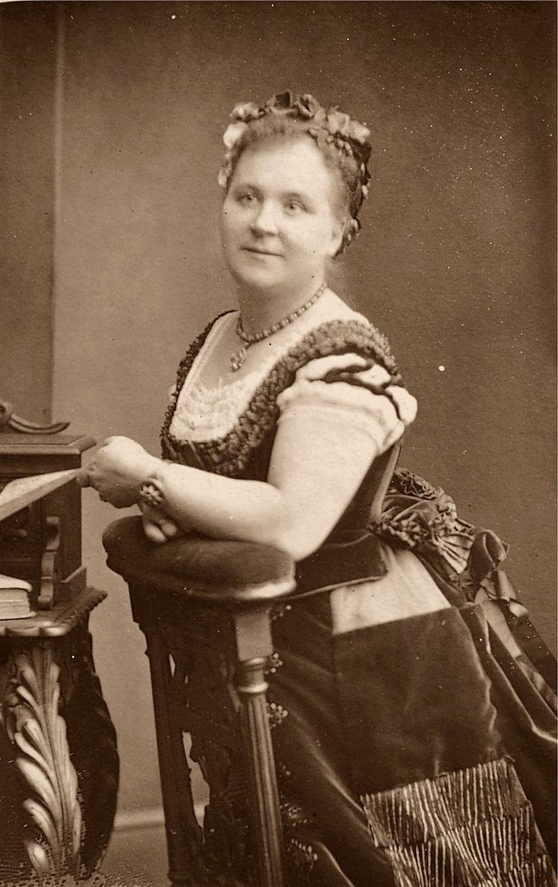 Helen Lemmens-Sherrington.jpg