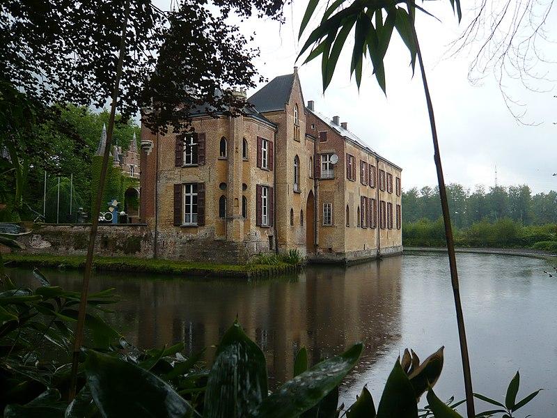 File:Hof van Liere - panoramio.jpg