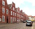 Holländisches Viertel Potsdam Häuserreihe Mittelstrasse.jpg