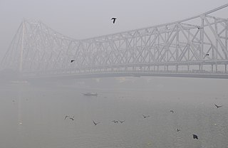 Howrah Bridge, Foggy.jpg