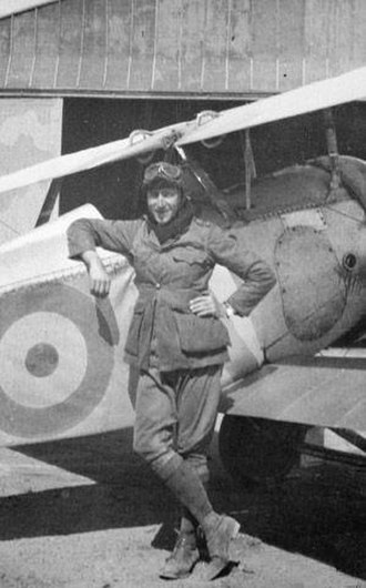 Hudson Fysh - Lieutenant Wilmot Hudson Fysh standing in front of a Nieuport Scout aircraft