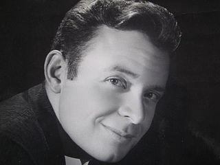 Hugo Avendaño singer