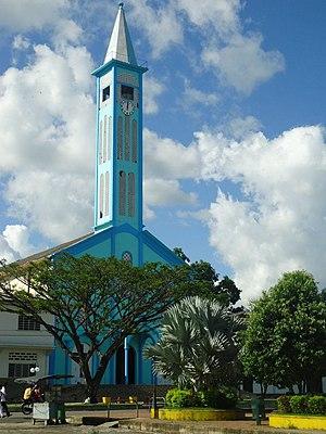 Iglesia central de El Doncello.jpg