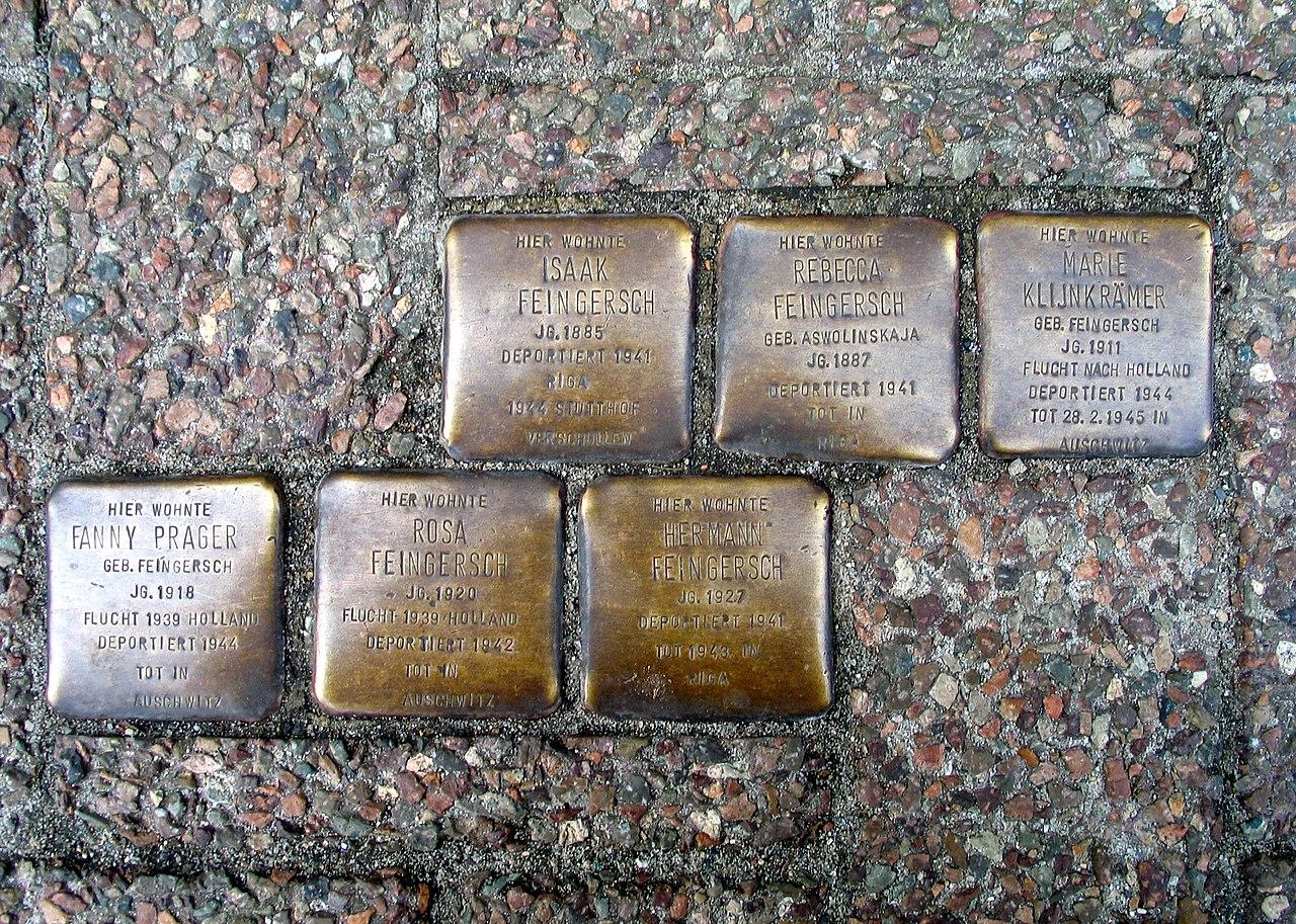Im Kreise 23, Celle, Stolpersteine Familie Feingersch, Isaak, Rebecca Aswolinskaja, Marie Klijnkrämer, Fanny Prager, Rosa und Hermann Feingersch.jpg