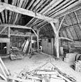 Interieur, overzicht gedeelte schuur - Lunteren - 20339210 - RCE.jpg