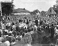Intocht van Louis Armstrong in Blokker i.v.m. de muziekfestival vergeeld, Bestanddeelnr 910-3582.jpg