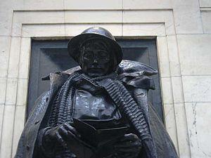 Great Western Railway War Memorial - Image: Jagger GWR memorial 8