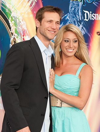 The Bachelor (season 14) - Jake Pavelka and then-fiancée Vienna Girardi in the premiere of World of Color at Disney California Adventure Park in 2010