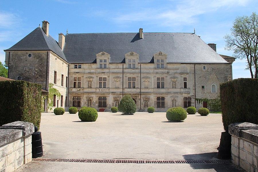 Jakobsweg by Niederkasseler   France -                   Chateau Montbras