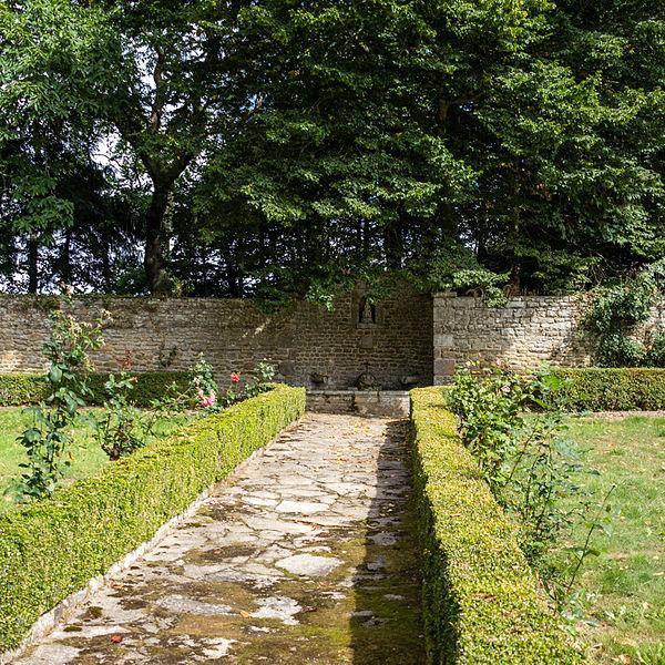 Français:  Jardin du château de Tocqueville à Tocqueville (France).