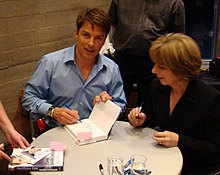 alt=Description de l'image John Barrowman book signing.jpg.