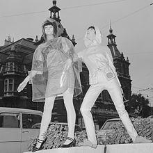 Josje Leeger and Marijke Kooger (1965)
