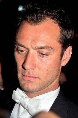 Jude Law Cannes 2011 3.jpg