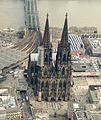 Köln Dom Altstadt Luftbild - cologne aerial (25352327405) (cropped).jpg