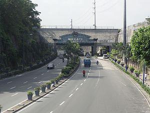 Kalayaan Avenue - Image: Kalayaan Avenue (Fort Bonifacio, Makati; 2015 01 25) 02