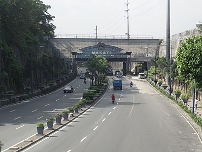 How to get to Kalayaan Avenue with public transit - About the place