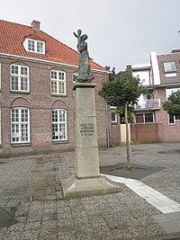 Kapelaan Harrie Koopmans beeld in 's-Hertogenbosch.jpg