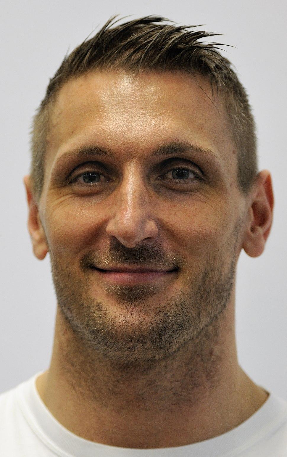 Kevin Kuske bei der Olympia-Einkleidung Erding 2014 (Martin Rulsch) 02