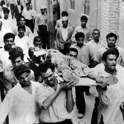Iranian protesters on 5 June 1963 Khordad222.jpg