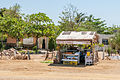 Kiosco de Frutas en la Entrada a La Guardia.JPG