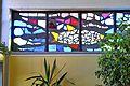 Klagenfurt Welzenegg Auer-von-Welsbach-Strasse evangelische Christuskirche Glasfensterband Fisch 12122012 251.jpg