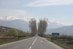 Kocherinovo on the way to Stob 20090407 010.JPG