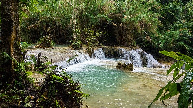 File:Kuang Si Waterfall (23495782404).jpg