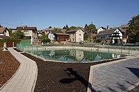 Lažany (u Turnova, okres Liberec) - náves s rybníčkem.jpg