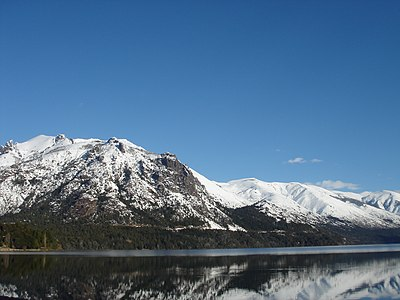 Lago Gutiérrez completamente plano (Bariloche).jpg
