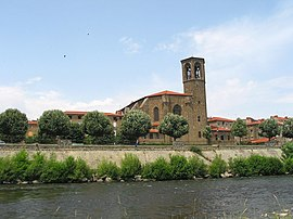 The Allier River and the Saint Gal Collegiate church.