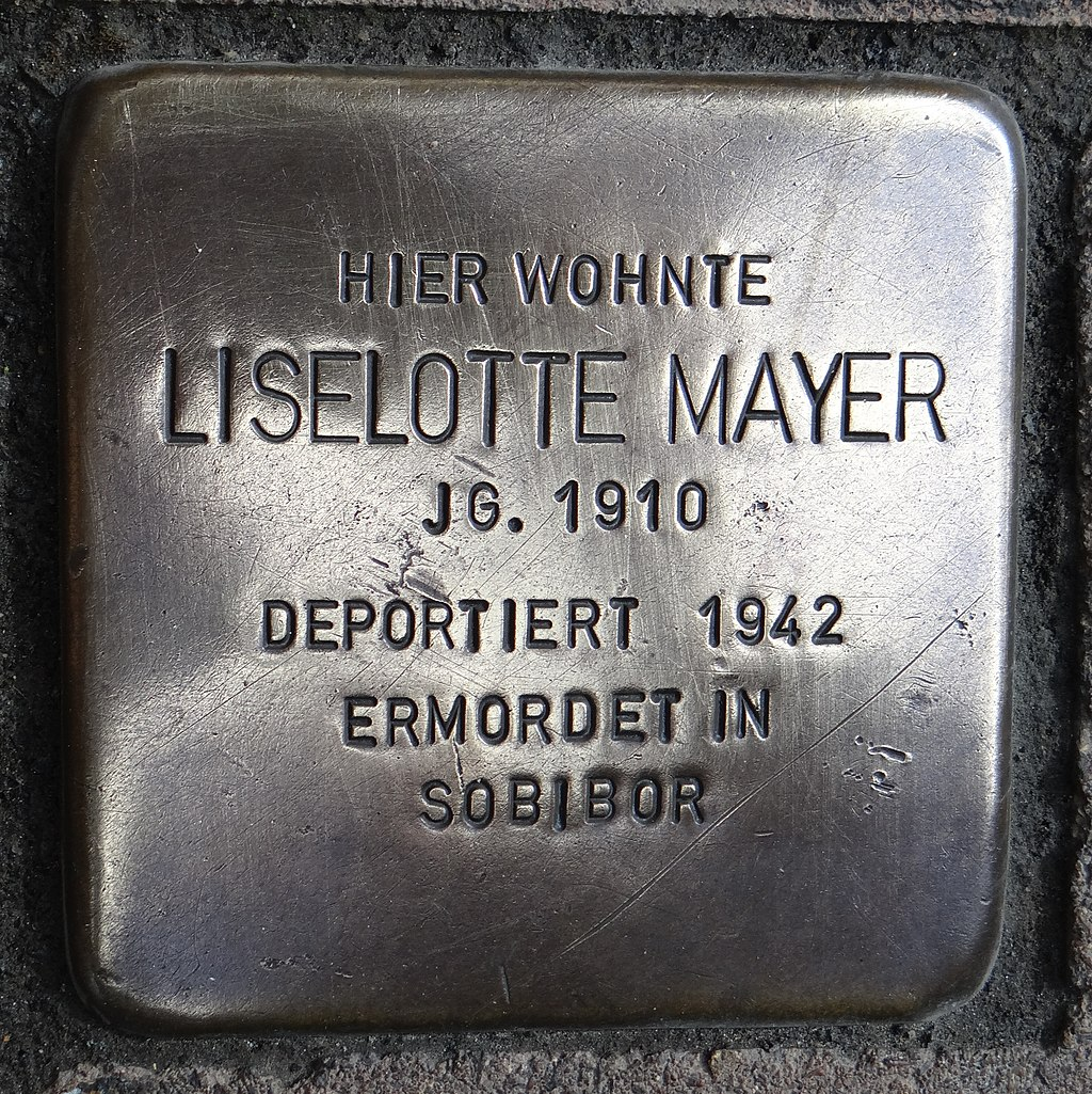 Langenlonsheim Stolperstein Naheweinstraße 132 Liselotte Mayer.jpg