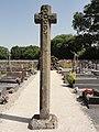 Le Grez (Sarthe) croix de cimetière.jpg