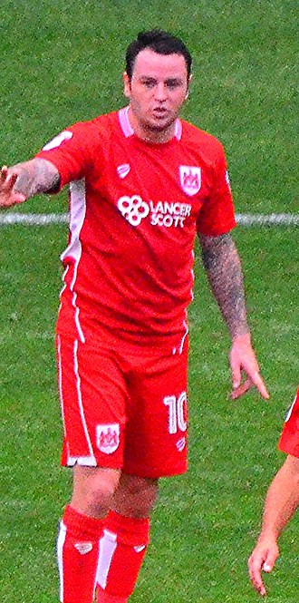 Lee Tomlin - Tomlin playing for Bristol City in 2016