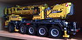 Lego Technic - Set 42009 Mobile Crane Mk II (2013).jpg