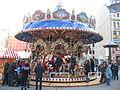 Leipziger Weihnachtsmarkt historisches Etagenkarussell (2011).jpg