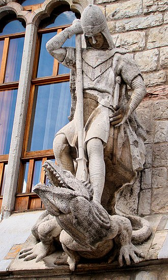 Casa Botines - Sculpture showing Saint George slaying the dragon, executed by Llorenç Matamala i Piñol.