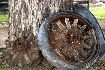 English: Old wheels
