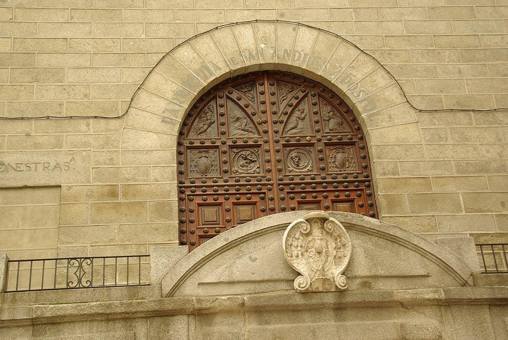 MADRID E.R.U. IGLESIA DE SAN ANDRES CAPILLA DEL OBISPO (CON COMENTARIOS) - panoramio.jpg